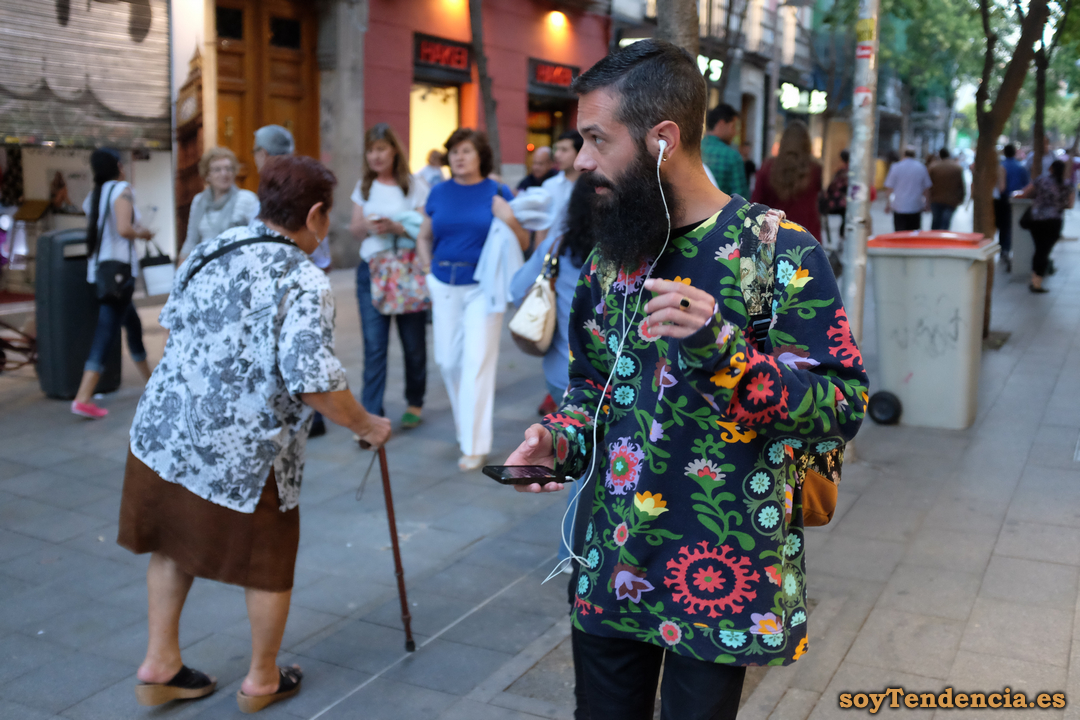 hipster camisa flores barba soyTendencia Madrid street style