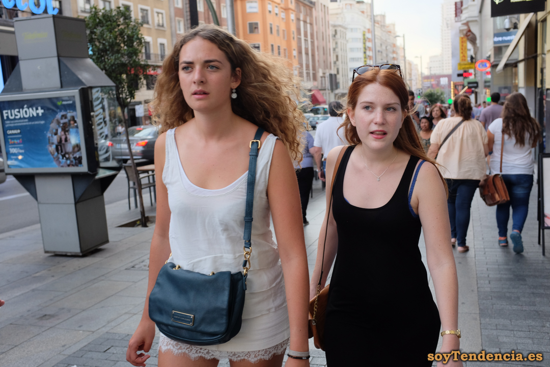falda corta blanca puntillas soyTendencia Madrid street style