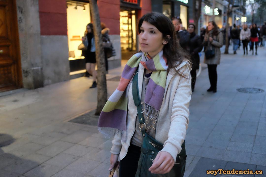 bufanda franjas soyTendencia Madrid street style