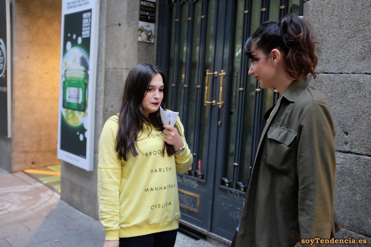 sudadera amarilla new york soyTendencia Madrid street style