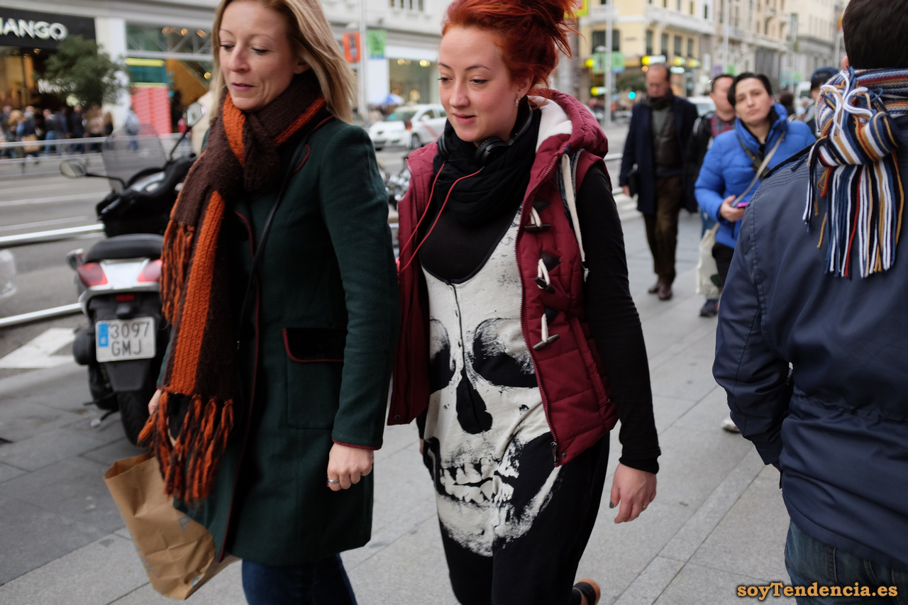 chaleco calavera trenca sin mangas soyTendencia Madrid street style