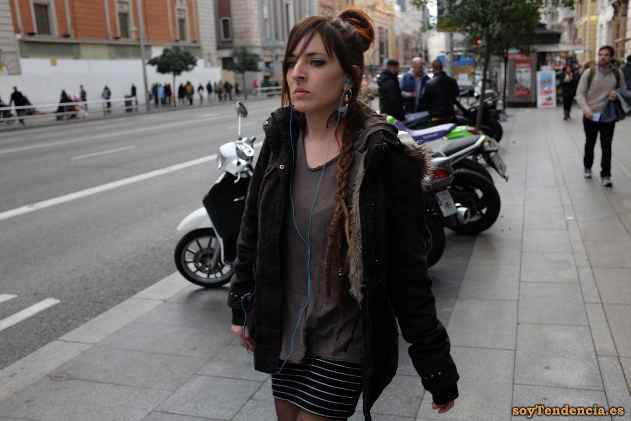 chaqueton con capucha trenzas soyTendencia Madrid street style