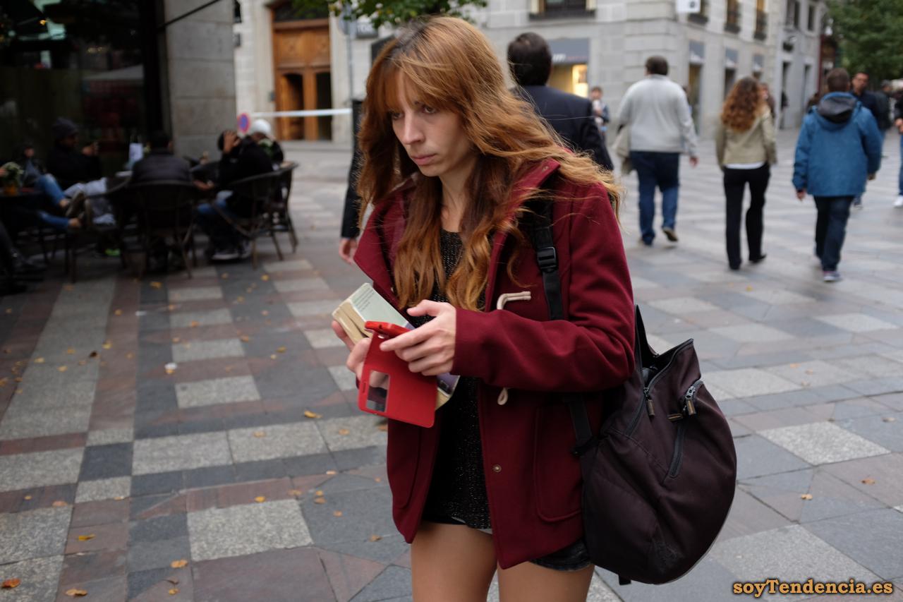 trenca roja mujer soyTendencia Madrid street style