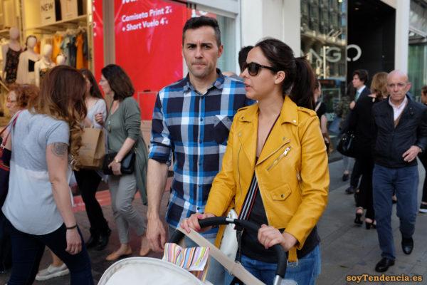 cazadora chaqueta amarilla zara mama soyTendencia Madrid street style
