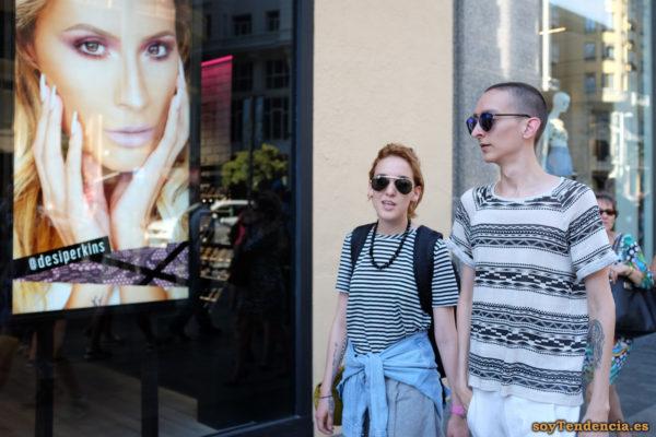 camiseta bandas geometricas rayas cazadora vaquera cintura soyTendencia Madrid street style
