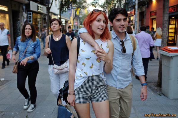 camiseta con plátanos pantalón corto a cuadros soyTendencia Madrid street style