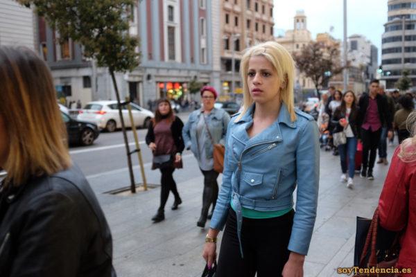 cazadora chaqueta amarilla zara azul soyTendencia Madrid street style