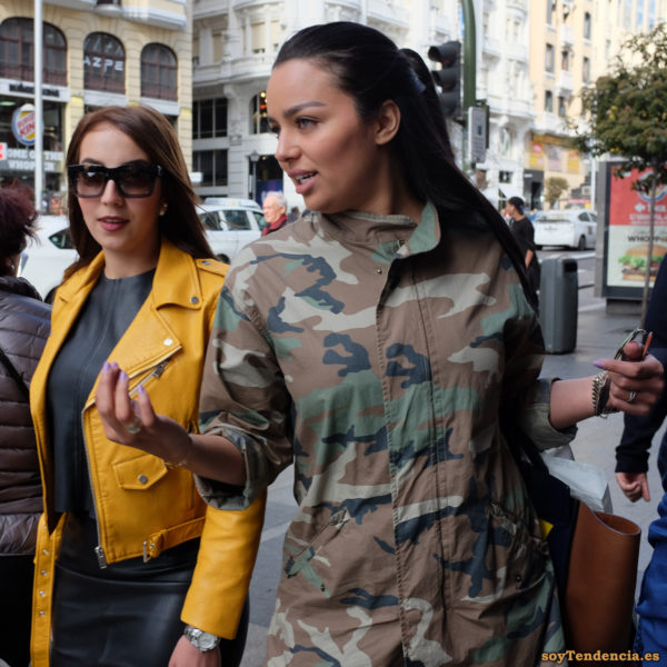 cazadora chaqueta amarilla zara camuflaje soyTendencia Madrid street style
