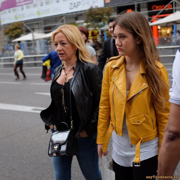cazadora chaqueta amarilla zara negra soyTendencia Madrid street style