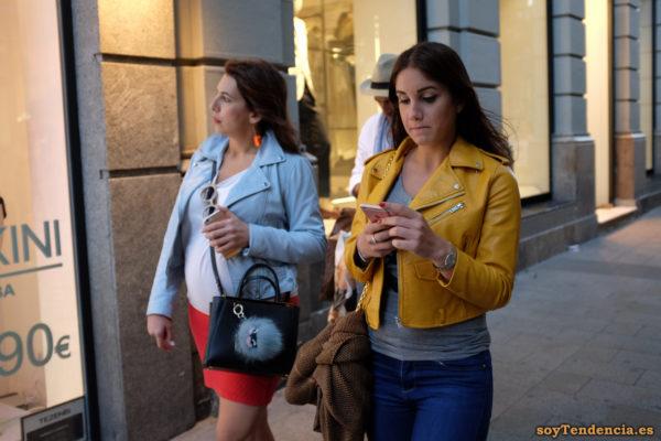 cazadora chaqueta amarilla zara noche soyTendencia Madrid street style
