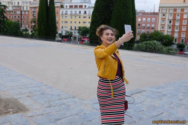 cazadora chaqueta amarilla zara selfie soyTendencia Madrid street style