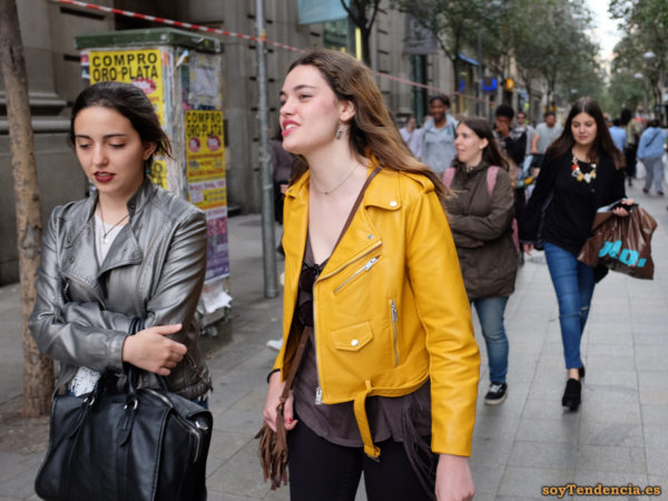 chaqueta amarilla zara cazadora gris perla soyTendencia Madrid street style
