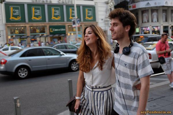 pantalon blanco rayas soyTendencia Madrid street style
