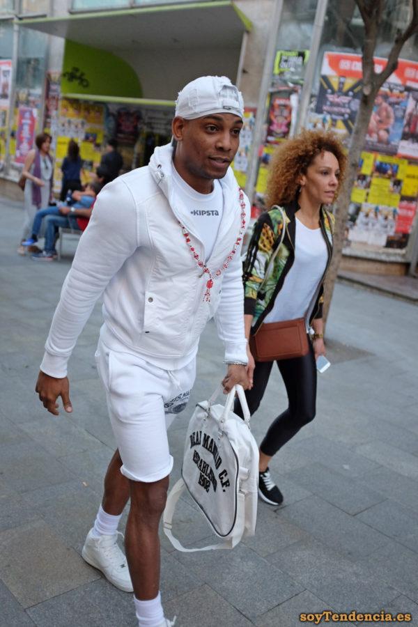 real madrid ropa blanca collar soyTendencia Madrid street style