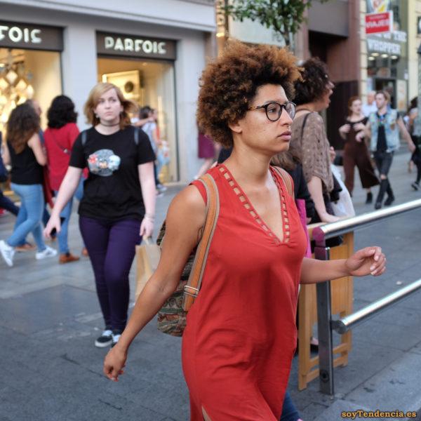 vestido rojo cuello calado soyTendencia Madrid street style