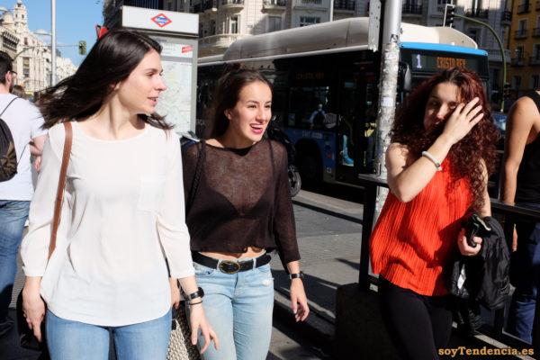 camiseta transparente color berenjena blusa plisada soyTendencia Madrid street style