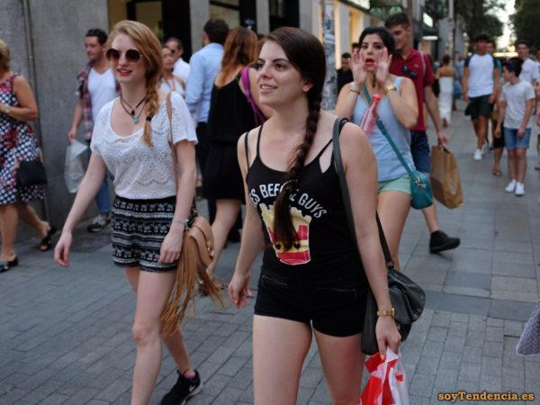 camiseta patatas fritas pantalon corto bolsillos cremallera soytendencia madrid street style