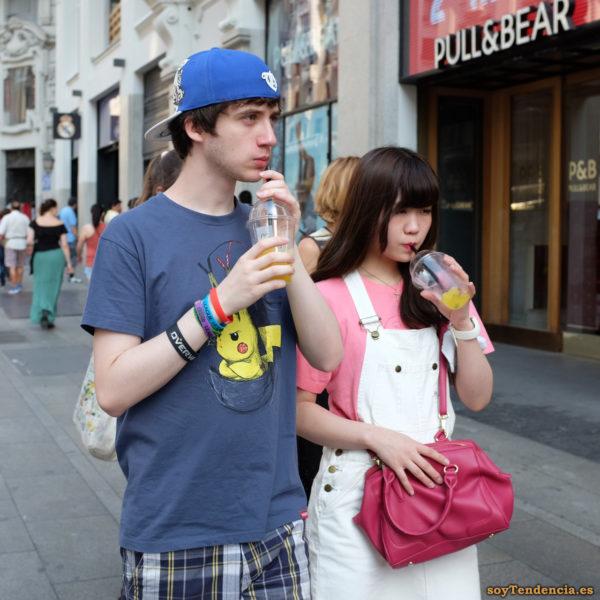 camiseta pikachu enfadado pokemon pantalon con peto soytendencia madrid street style