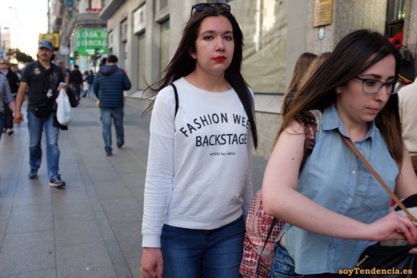 sudadera Fashion Week backstage access all areas soytendencia madrid street style