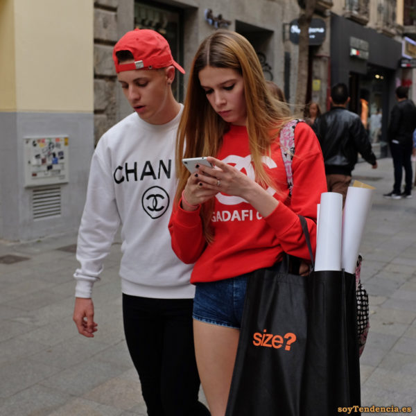 sudadera Gadafi Clik Chanel short vaquero size? bolsa tienda soytendencia madrid street style