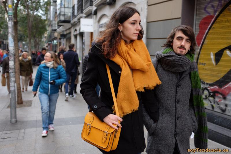 bufandas grandes lana tela punto bolso amarillo soytendencia madrid street style