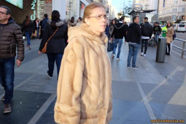 chaquetón de piel con capucha soyTendencia Madrid style