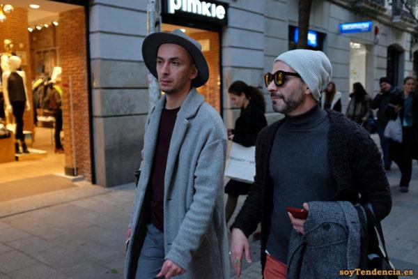 abrigo gris sombrero jersey fino cuello alto soyTendencia Madrid street style