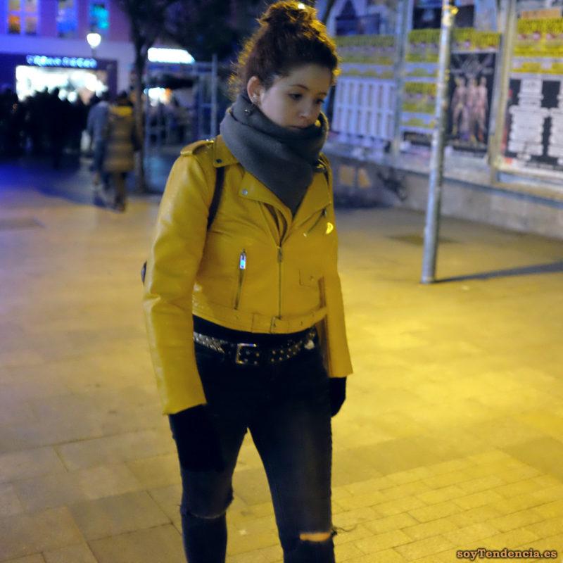 chaqueta amarilla de Zara bufanda frío cinturón soyTendencia Madrid street style