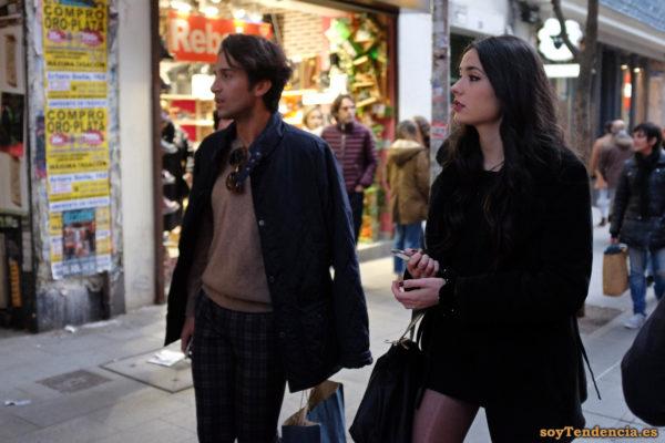 chaquetón minifalda negra pantalón cuadros soyTendencia Madrid street style