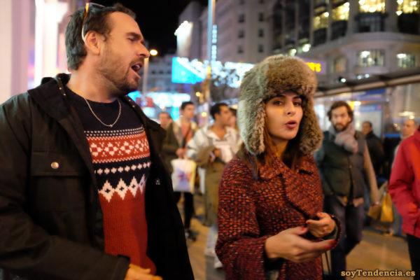 gorro de piel con orejeras mujer cantando soyTendencia Madrid street style