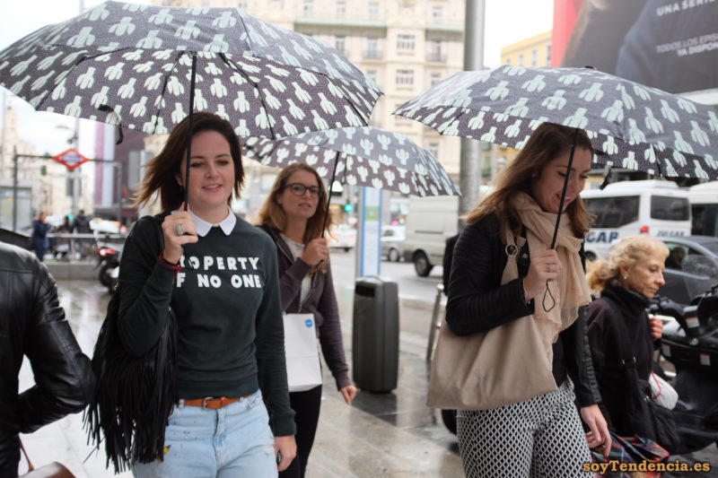 property of no one sudadera paraguas iguales soyTendencia Madrid street style