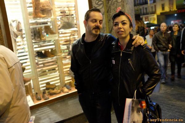 cazadoras negras y pañuelo a la cabeza la central libros librería soyTendencia Madrid street style