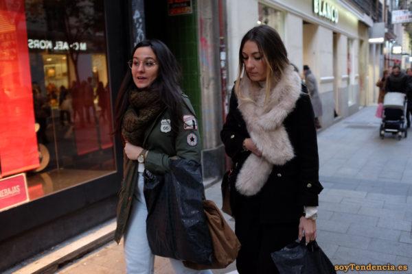 chaquetón verde con escudo de la ruta 66 abrigo negro soyTendencia Madrid street style