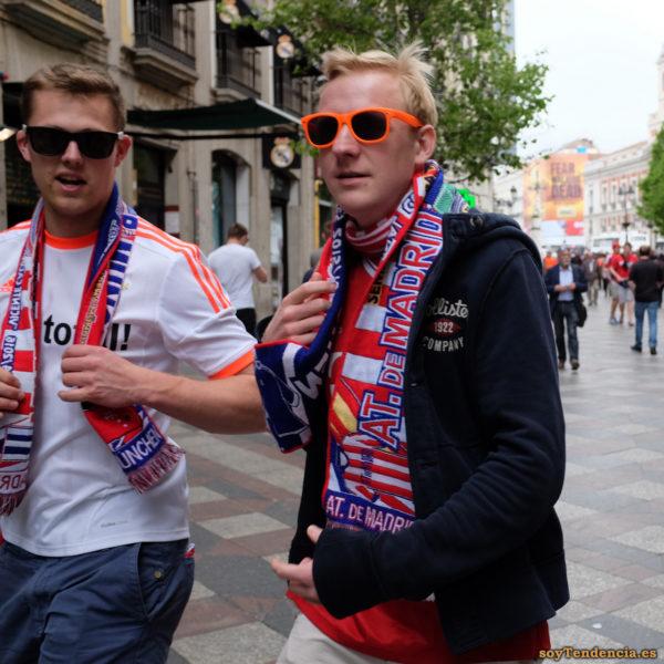 bufanda Atlético de Madrid gafas naranja soyTendencia Madrid street style