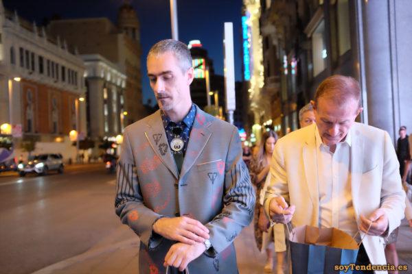diseñador Jose Otero corbata chaqueta sustentabilidad soyTendencia Madrid street style