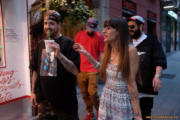vestido sin mangas tattoos nike camiseta foto collar étnico soyTendencia Madrid street style