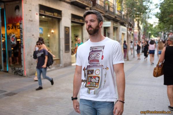 camiseta robot pelo rizado alambre blanca soyTendencia Madrid street style