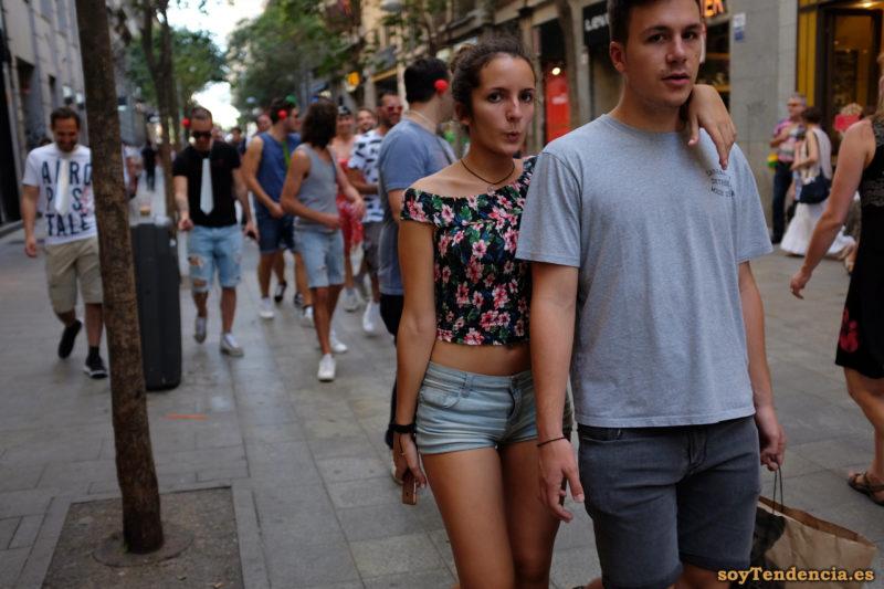 top con flores short vaquero silbando soyTendencia Madrid street style