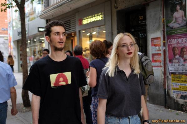 camiseta con foto polo color marengo soyTendencia Madrid street style