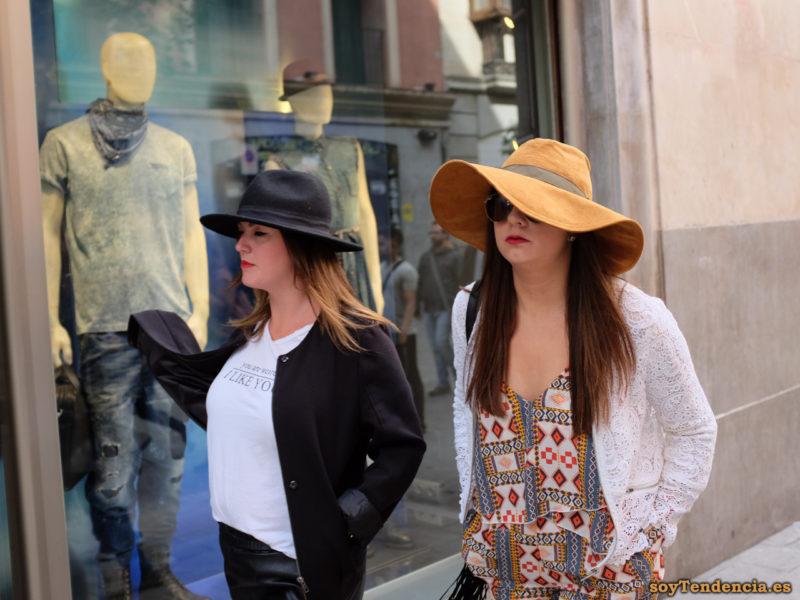 camiseta i like you sombrero de ala muy ancha chaqueta ganchillo soyTendencia Madrid street style