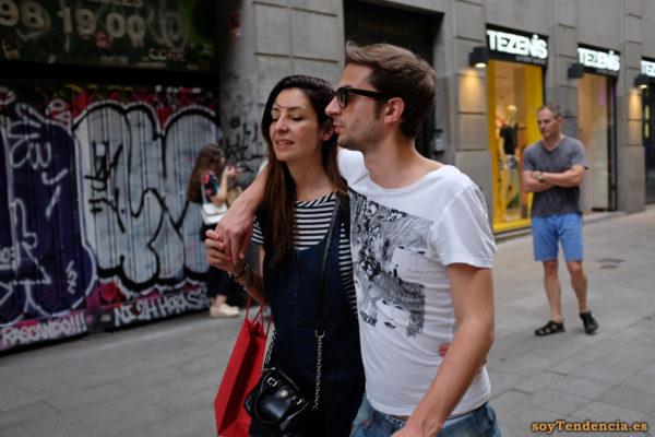camiseta carátula del album Revolver de Beatles rayas soyTendencia Madrid street style